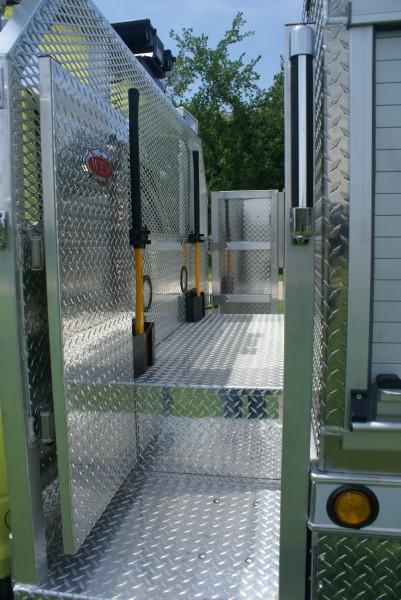 Fire Apparatus walkway